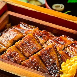 ふっくらと仕上げた鰻と、タレと良く絡み合うこだわりのお米