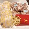 マクドナルド - 料理写真:チキンクリスプ 100円、ハンバーガー 100円、マックフライポテト(L) 320円