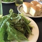 goo ITALIANO - セットのサラダとフォカッチャ