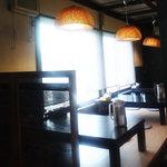 麺屋 たけ井 本店 - 小あがり席(4名×3卓)