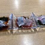 満幸商店 - 鯛の刺身3皿900円