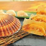 餃子屋本舗 - 「北海道産」天然ホタテ貝柱のだし入り焼餃子