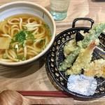 101814412 - 海老天&4種の野菜天ぷらうどん