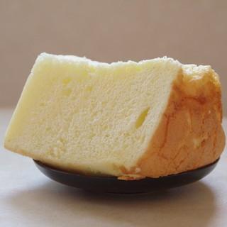 たまご色のケーキ屋さん - 料理写真:シフォンケーキ