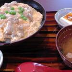 101816642 - だてハーブ鶏の親子丼(780円)