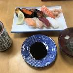 早良寿司 - 料理写真:中にぎり=1100円  税込