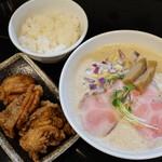 麺飯食堂 三羽鴉 - 平日限定ランチセット(ラーメン・からあげ・ごはん)