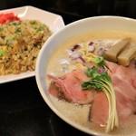 麺飯食堂 三羽鴉 - 平日限定ランチセット(ラーメン・小チャーハン)