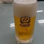 ラーメンだるまや - サッポロ クラシック生 居酒屋に続いて二杯目(^-^)