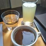 カフェ イースト4 -
