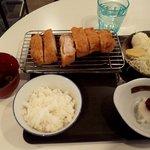 串かつ どない家 - BIGとんかつ定食・ロース(ご飯少なめ)