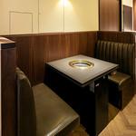 焼肉チャンピオン - テーブル席:2名用