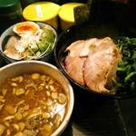 クックら - 料理写真:つけめん(中盛) 900円(税込)