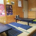 さぬき亭 - 店内の小上がり席