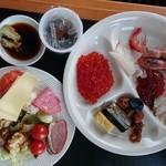 サロマ湖鶴雅リゾート - 朝食  全部食べよう!という品のない盛りつけになってしまった