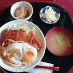 YAKi家 - 目玉焼きのせソースカツ丼800円税込‼️