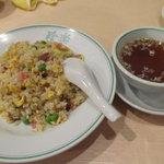 珍楽飯店 - 五目炒飯