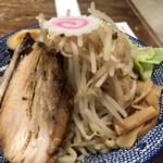 ちゃーしゅうや 武蔵 - 旨辛つけ麺 大盛り二玉 冷や 小飯 950円
