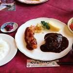 しょうりき - 料理写真:しょうりき @中板橋 ランチサービス Aセット(天然エビフライ&ハンバーグ)税込980円 ライス少な目でお願い