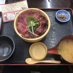 魚市場 いちわ - マグロ&カツオ桶盛り丼