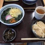 白岳うどん - 料理写真:ワンコイン定食(ワカメうどん&生姜焼き丼)