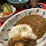 小料理家 せいこ - ◆ミニカレー(550円)、サラダ、薬味付。