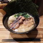 らぁめん・つけめん 豚火 - 料理写真:豚火らーめん全部のせ(1,100縁円)