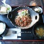 想麻 - 牛肉のトマトソース煮