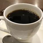上島珈琲店 - 珈琲は軽めではなくしっかりした味わい。お味は悪くないですが、朝はもう少し軽くてもいいような・・