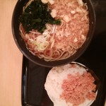 101864043 - タヌキ蕎麦&ミニおにぎり