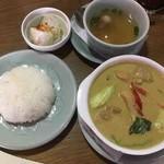 タイの食卓 オールドタイランド - ゲーンキィオワンガイ