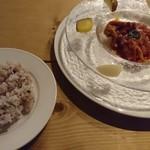 エピス - 鶏もも肉のロースト温野菜添え キノコとトマトのスパイシーソース