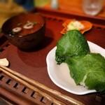 よりみち茶屋とおまわり - 料理写真:わさびの葉のおにぎり