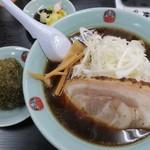 ダルマヤラーメン - こんぶおにぎり(150円)+ヤング・ネギラーメン(850円)