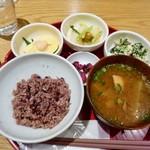 Ochobohan - おちょぼの選べる いろどりごはん(1,180円)※ご飯は少なめにしてもらいました