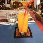 Yeti - セットのオレンジジュースです