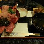 神田魚市場 つかさ丸 直売所 - 鉄火丼セット