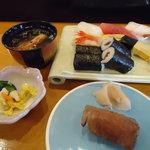 助八寿司 - ランチと炙り寿司。