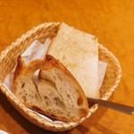 ブーランジェリ ミル・ヴィラージュ - バゲットと食パン