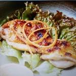 食工房 遊 - 地鶏ももの塩胡椒焼き ¥700