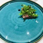 101912155 - ホロホロ鶏と白レバー 鞘エンドウと季節の野菜 煮詰めたバルサミ酢のコソース