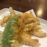 甲州屋 - 芝海老の天ぷら。ちょっと味噌が生揚げっぽかったけど、ギリギリでストライク