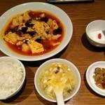 京華樓 - ランチ「豆腐入り四川風魚の麻辣煮込み」