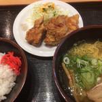 寿 - 料理写真:ラーメン・唐揚げ・白ご飯(2019.02.現在)