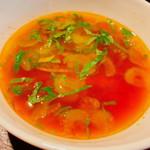 牧志牛肉麺 - 汁もの以外に付いていたスープ