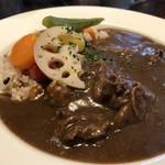 ノムカ+cafe - ◆野菜カレー・・これまでパスタが多かったのですが、カレーも一度頂いてみたくて。 中辛程度の辛味で万人受けする味わい。