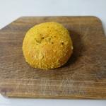 アゼーリア - 料理写真:カレーパン(115円):焼きタイプ