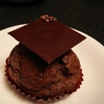 ラ・メゾン ド ジュン - チョコレートシュークリーム。