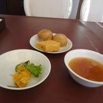 ヴィラ・ルーデンス - 自家製パン、スープ、日替わりサラダ(かぼちゃ)