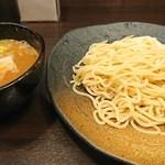 つけ麺 本丸 - 濃厚魚介つけ麺